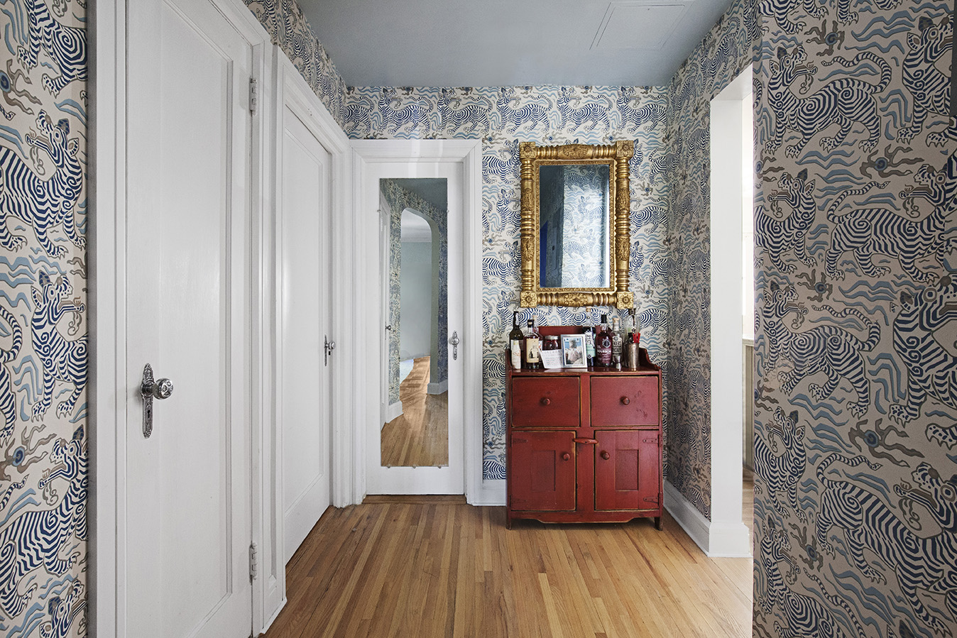 in addition to our al la carte services we offer full interior design service to handle all the design planning purchasing and delivery coordination - Full Service Interior Design